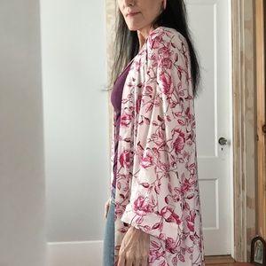 Other - Lovely rose kimono